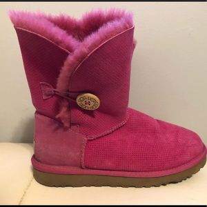 Pink Short Bailey Button UGGs, size 8